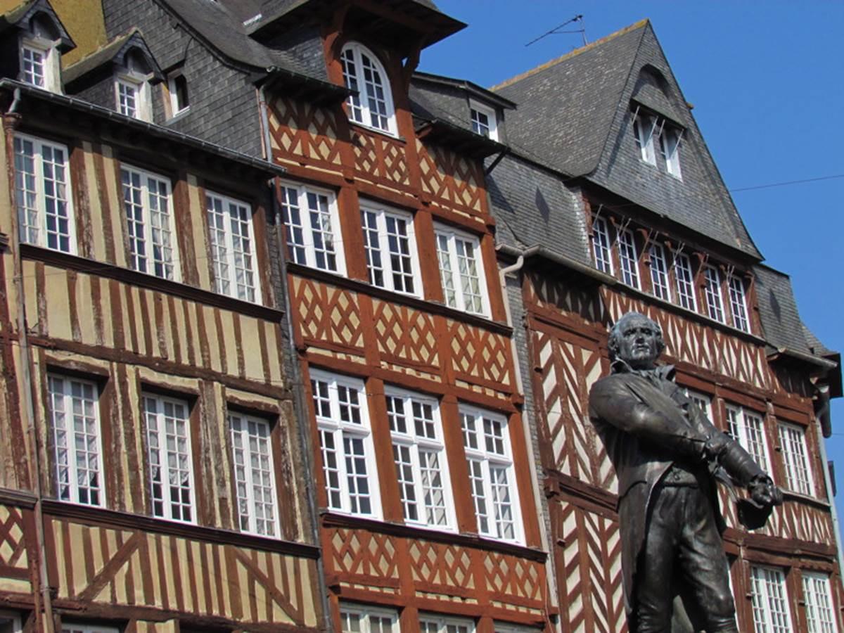 2011-Rennes---Place-du-Champ-Jacquet---Y.-Gautier.jpg-800