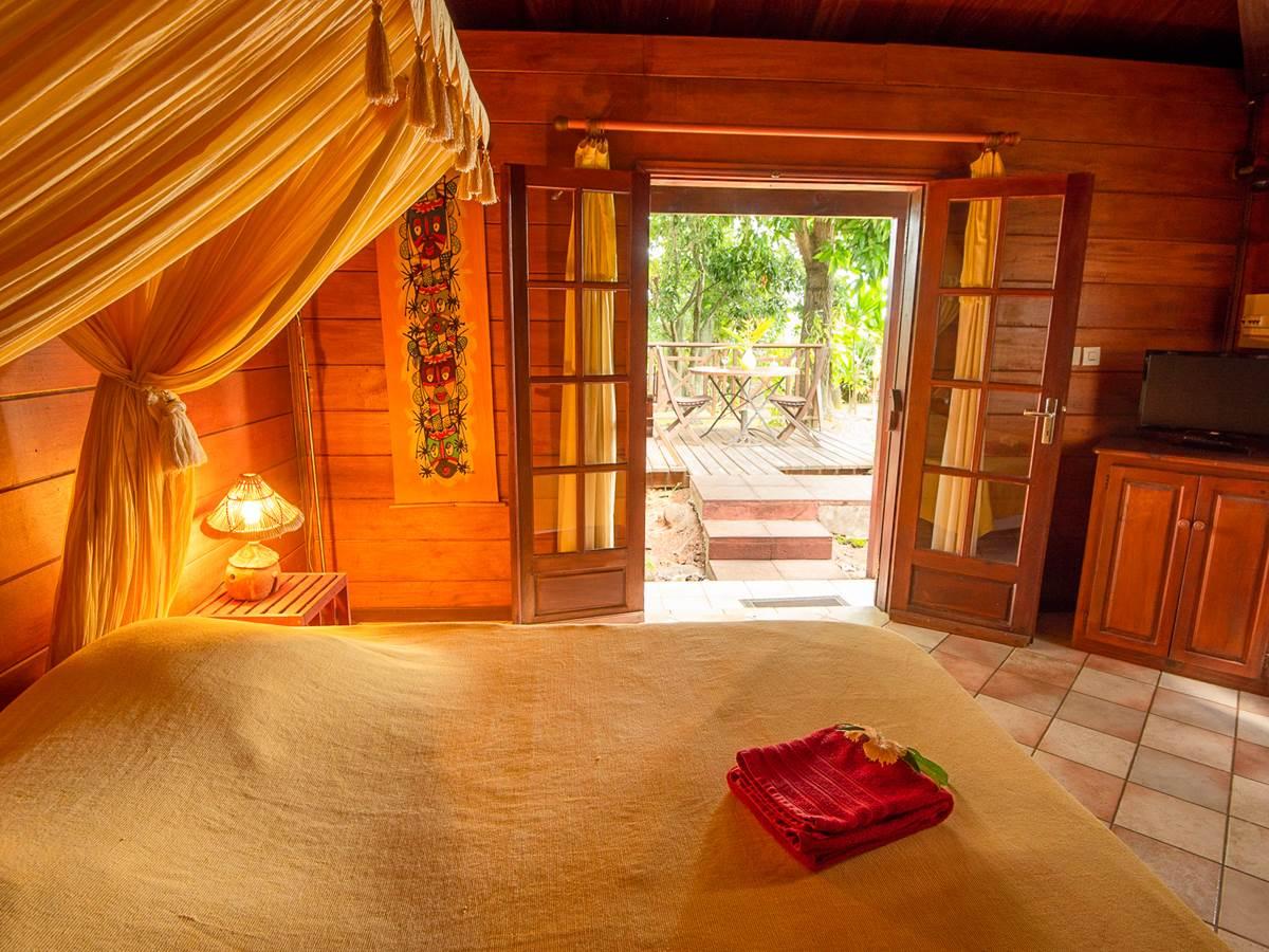 Bungalow meublée Alamanda vue chambre à coucher