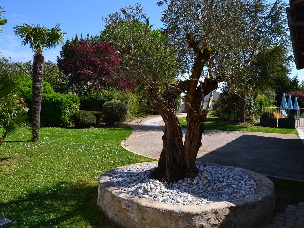 Jardin de la maison d'hôtes à La Rochelle Lodge