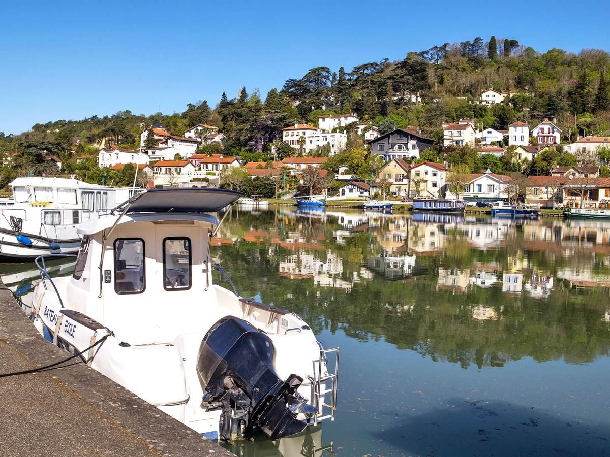 Agen: sur les bords de la Garonne