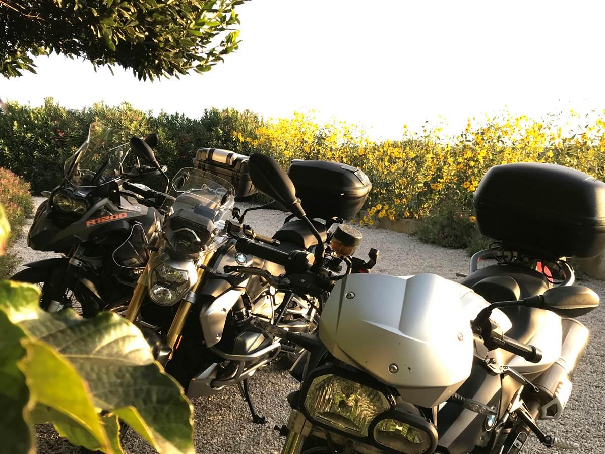 Le Mas Mellou  Accueil moto