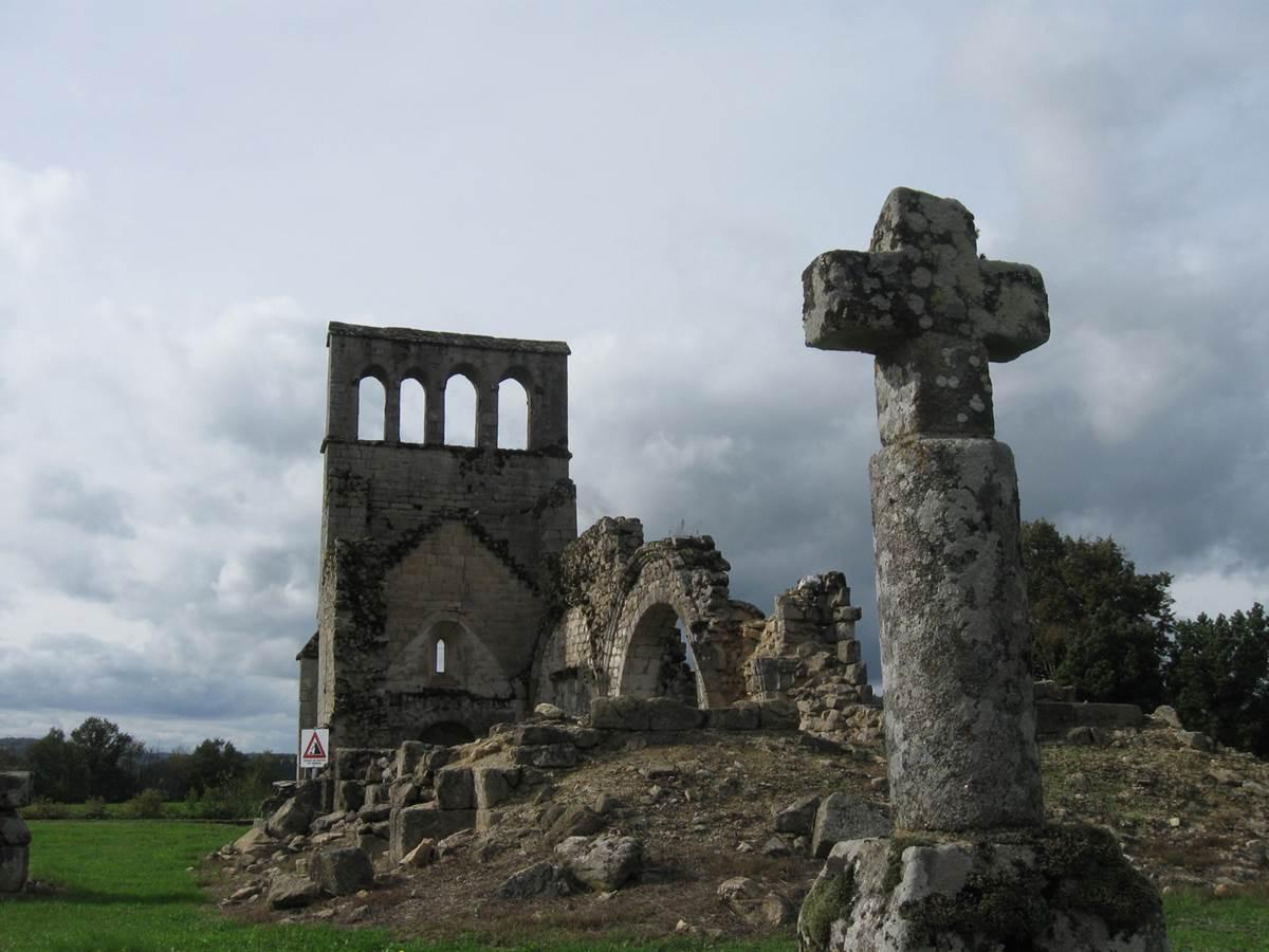 Xaintrie ruines du Vieux-Bourg