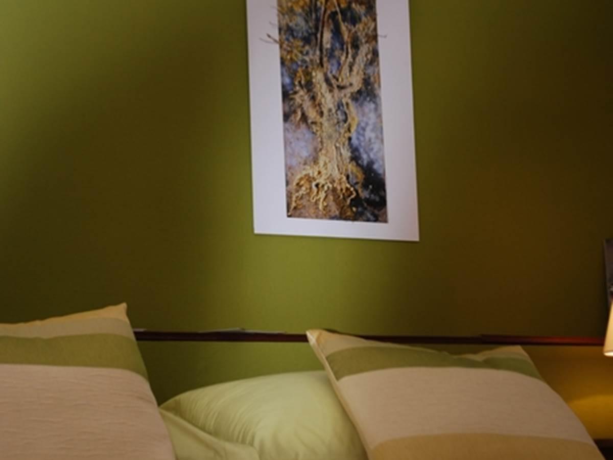 Chambre Paul Rebeyrolle, une ambiance, chambre double au Ranch des Lacs