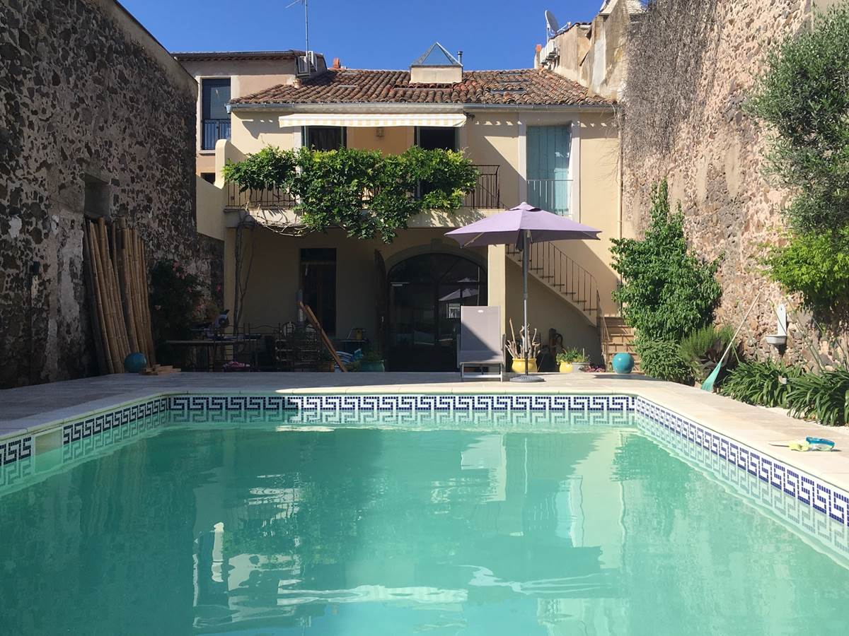 B&B with pool in Marseillan