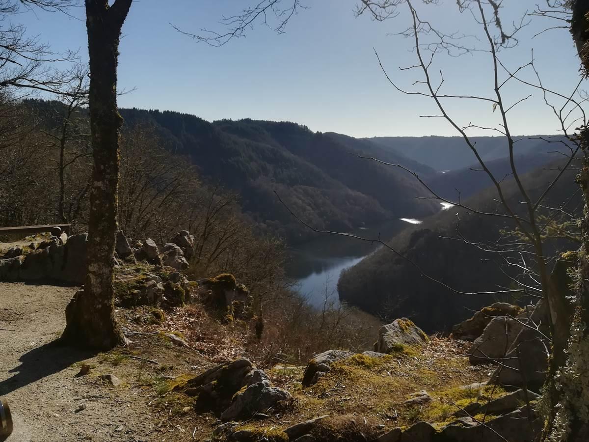 vue panoramique sur la Dordogne Bassignac le Haut