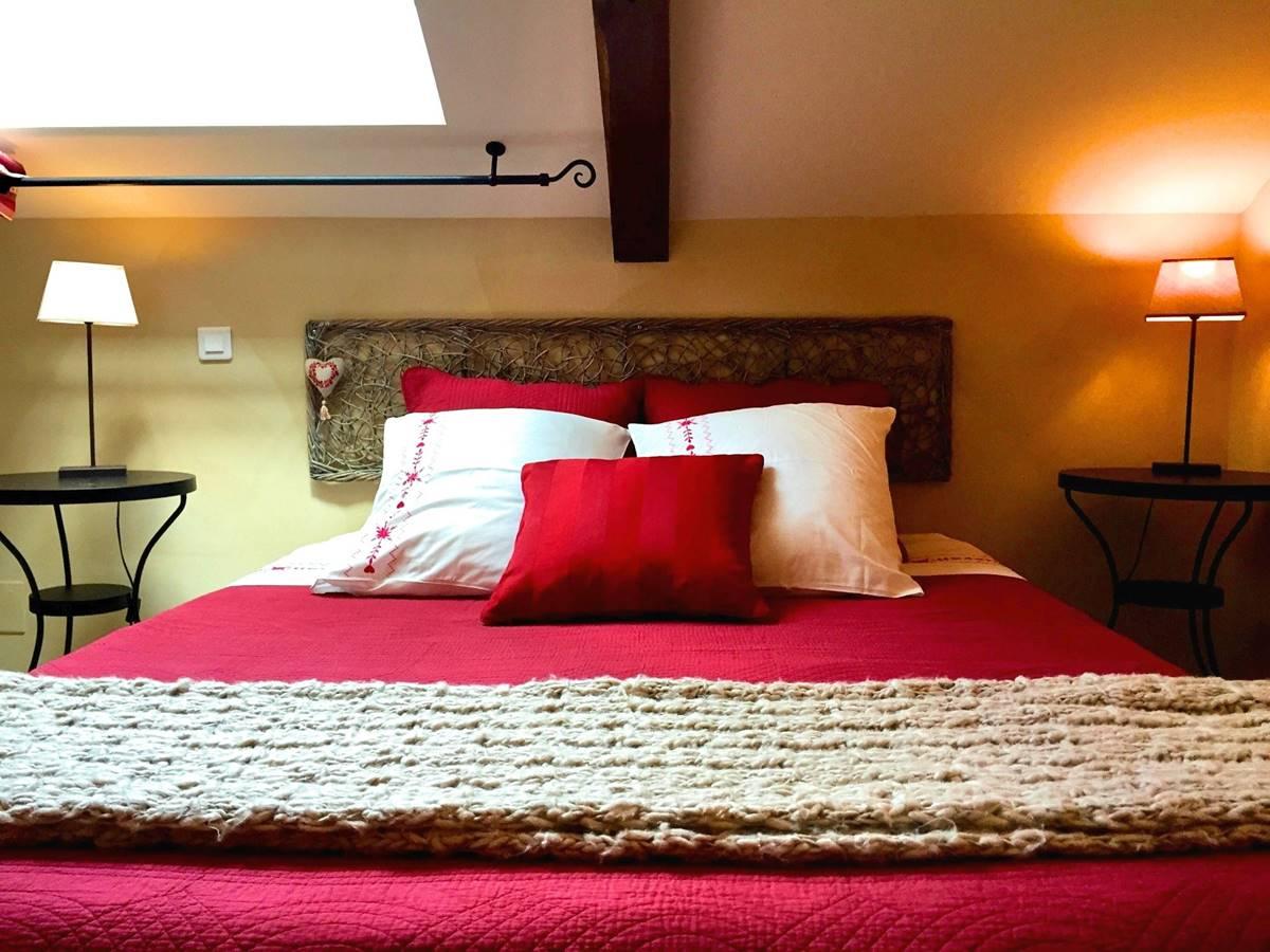 Côté Granges, chambre Roses de Cahors (5)