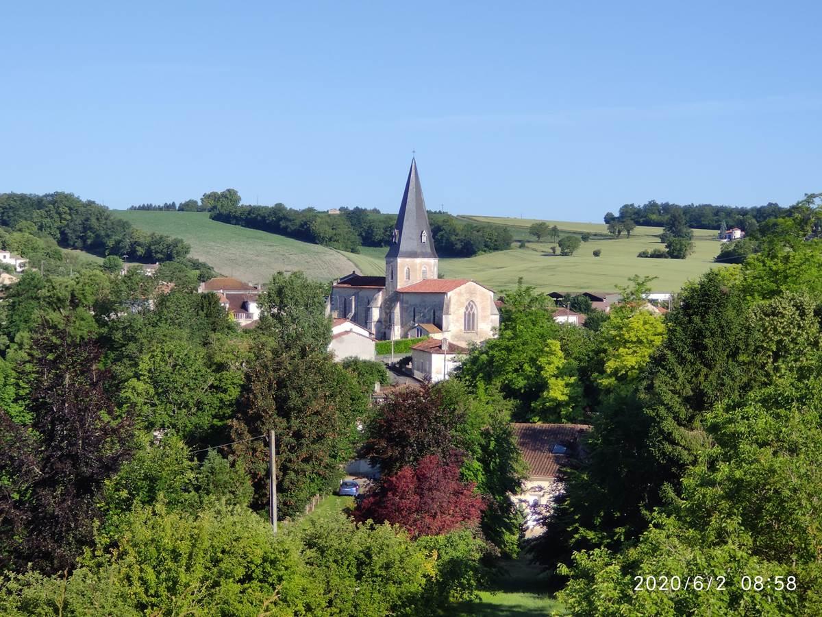 Montboyer village