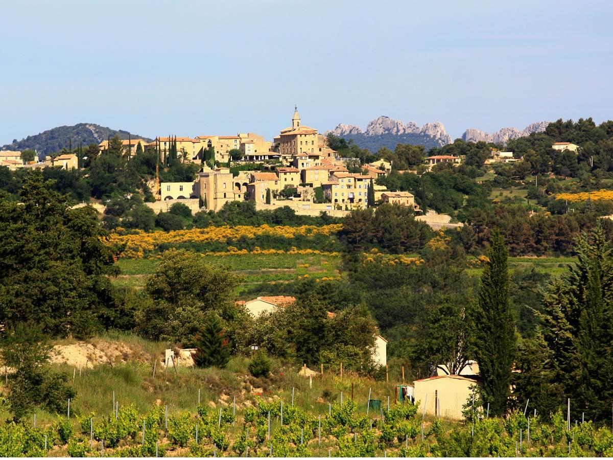 crillon le brave. Copyright. Provence guide. Hocquel.