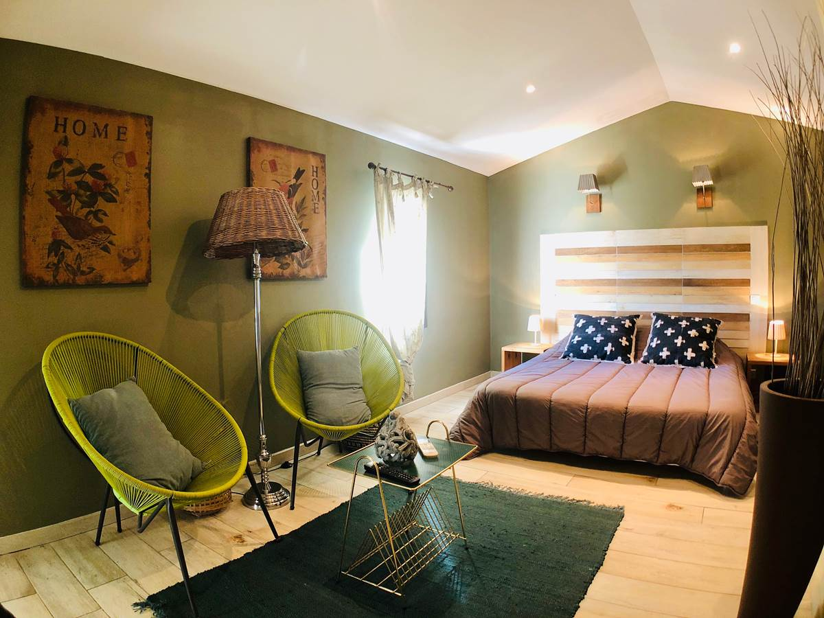 Mas Guiraud chambre verte-01