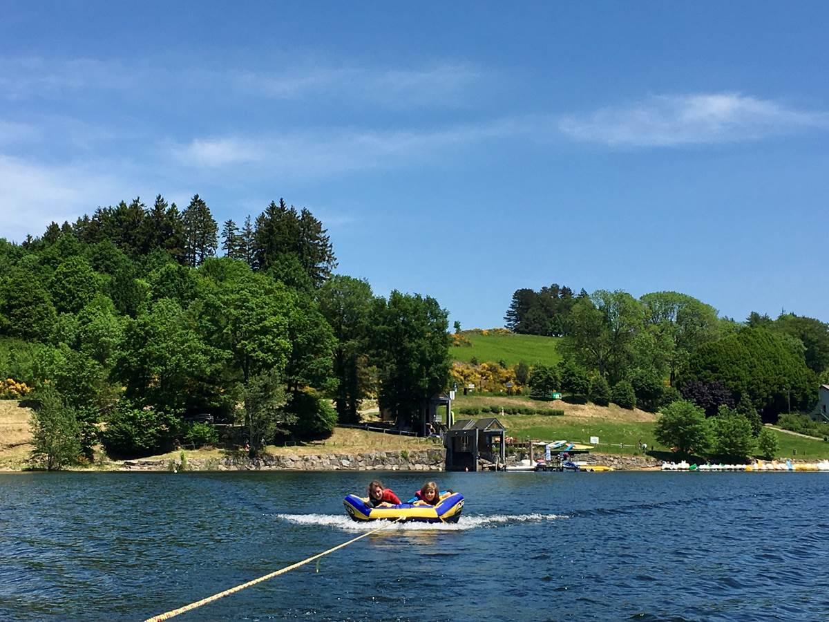 Lac de la Raviège à proximité