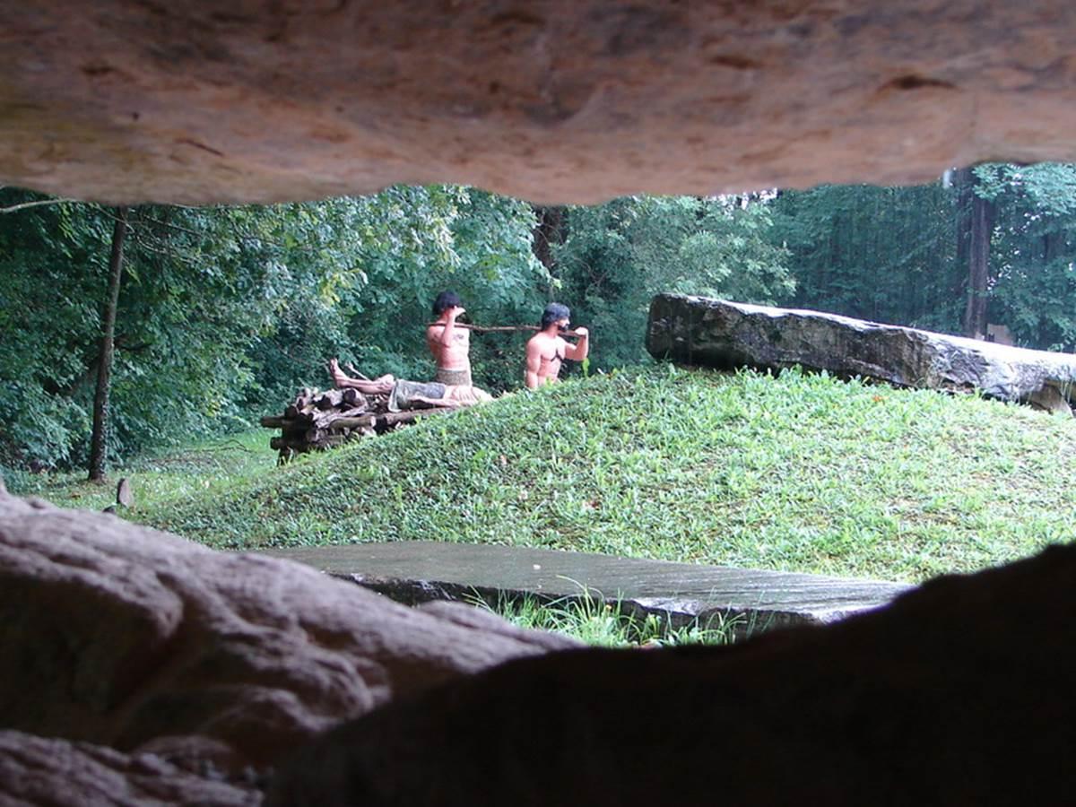 Les Grottes de Sare | Village Ocelandes