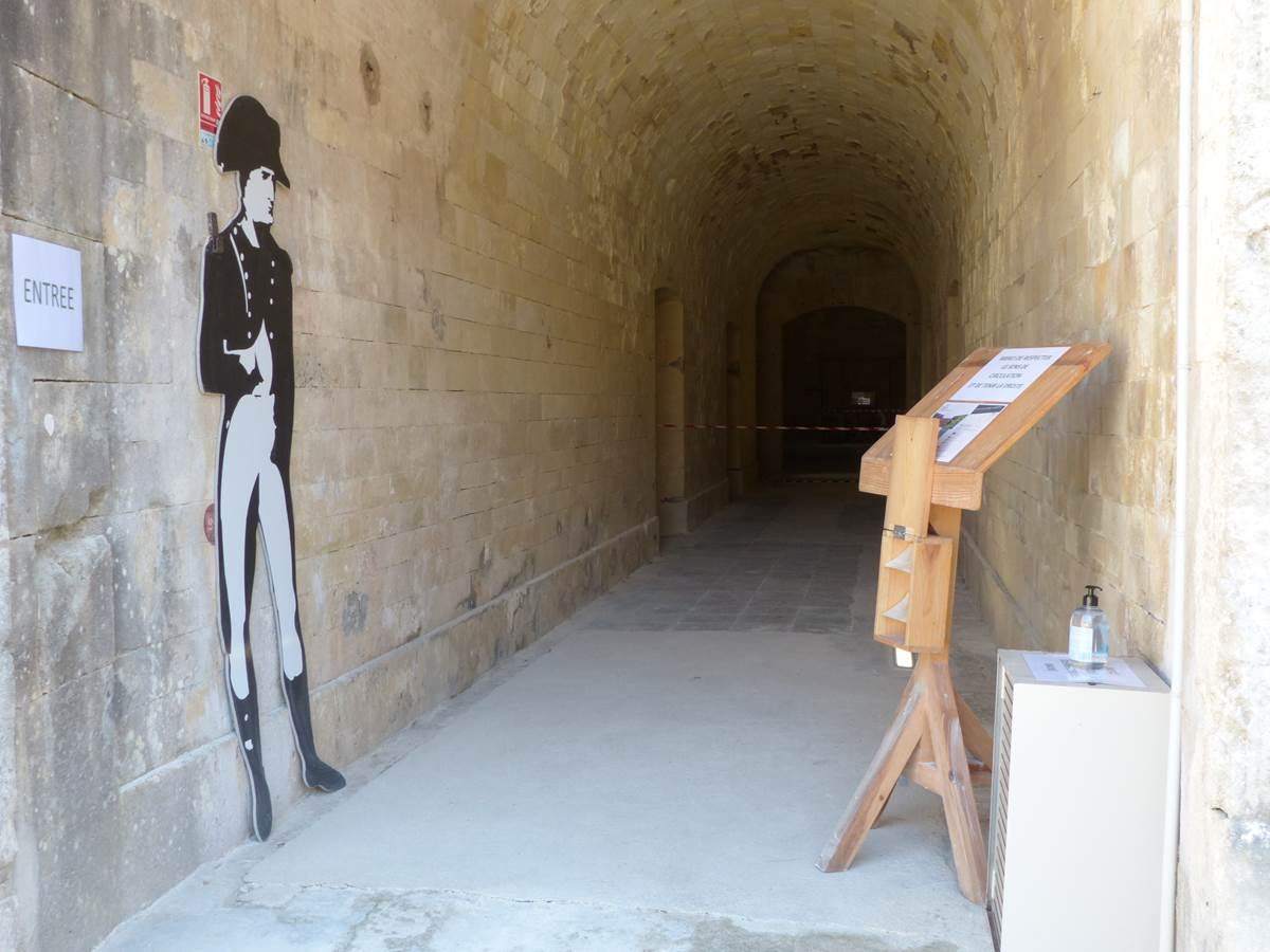 Napoléon à l'entrée du bastion au Fort Liédot
