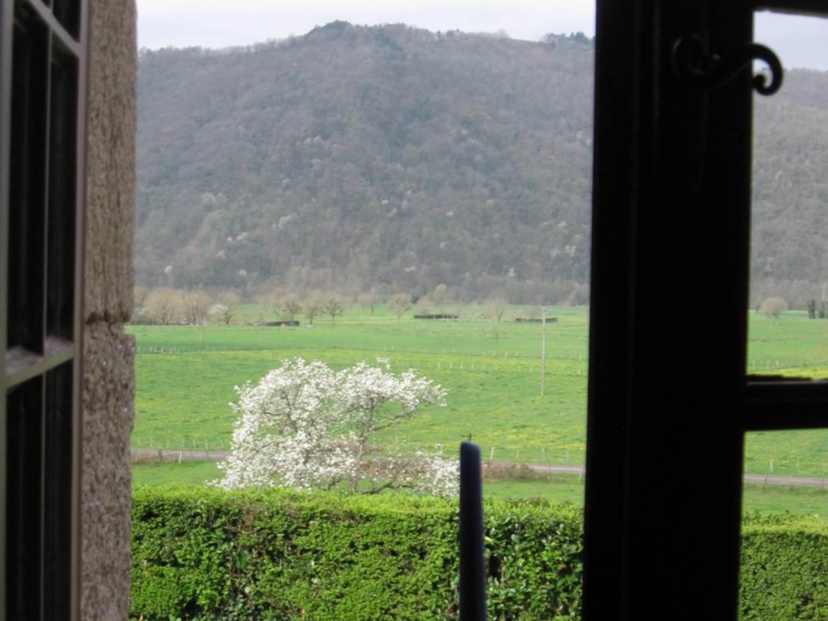 chambre Dordogne  vue sur la plaine