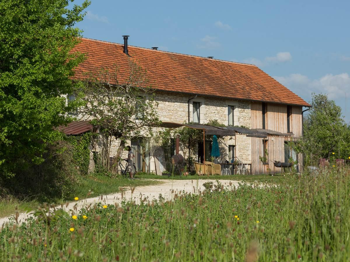 maison avec vue sur les falaises près de rocamadour collonges padirac