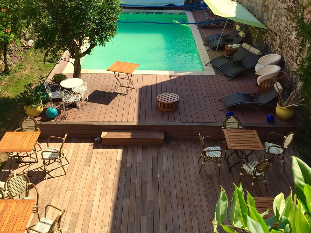 jardin et piscine de l'hotel la Casa Occitane à Marseillan