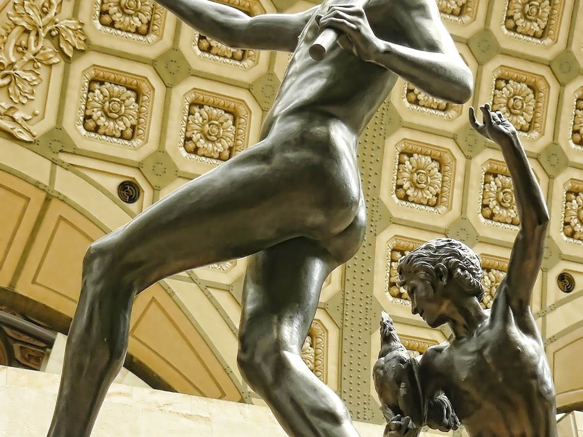 Hippolyte Moulin, Duo of bronze sculptures called «Une trouvaille à Pompei»