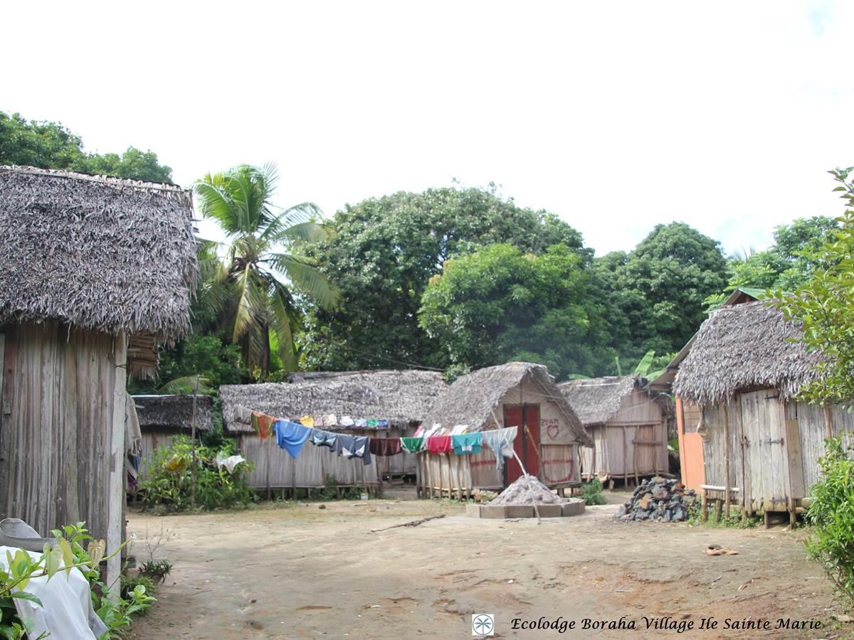 Village Ile Ste Marie Madagascar 07