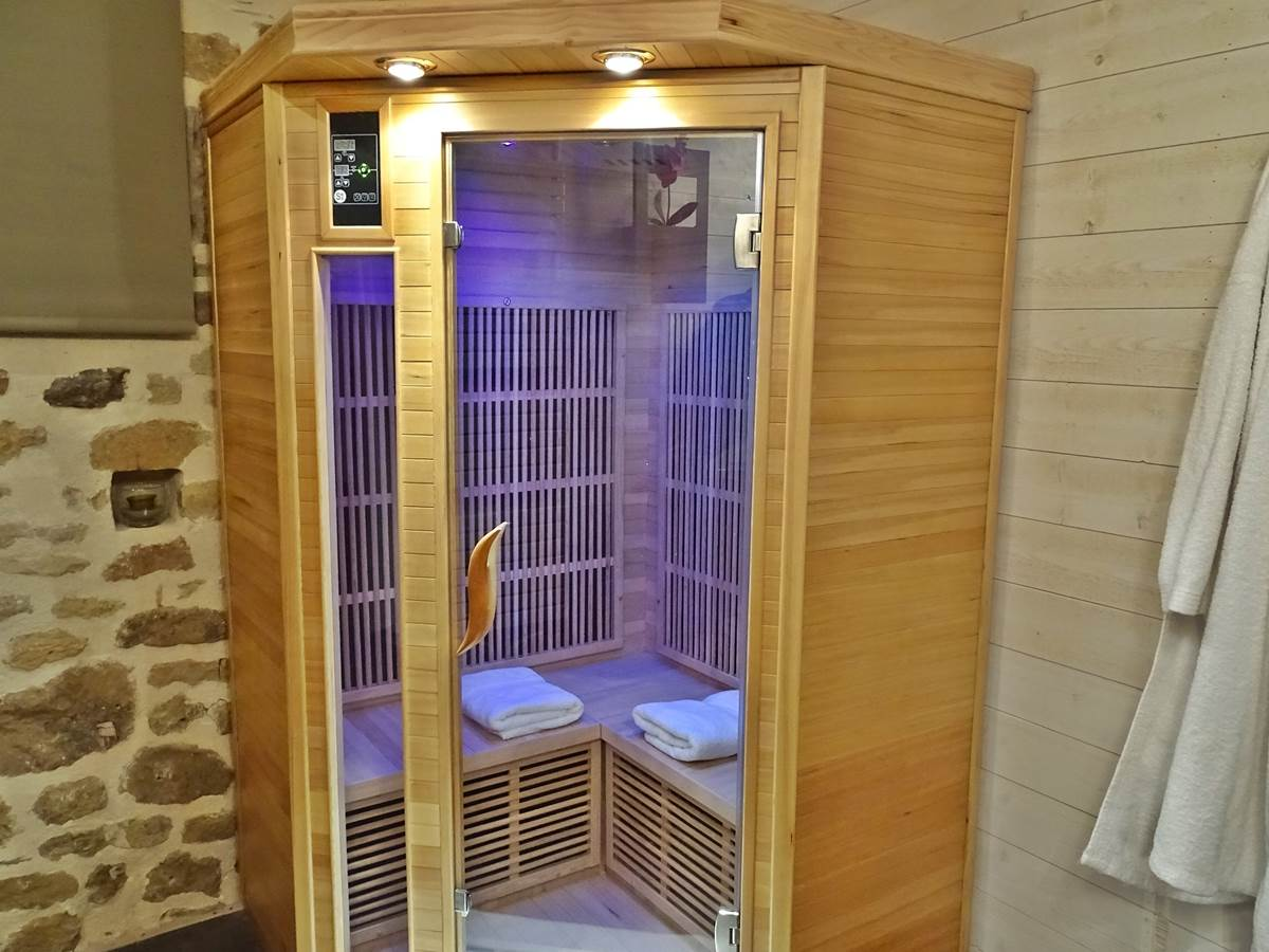 les instants voles jacuzzi privatif-romantique sauna