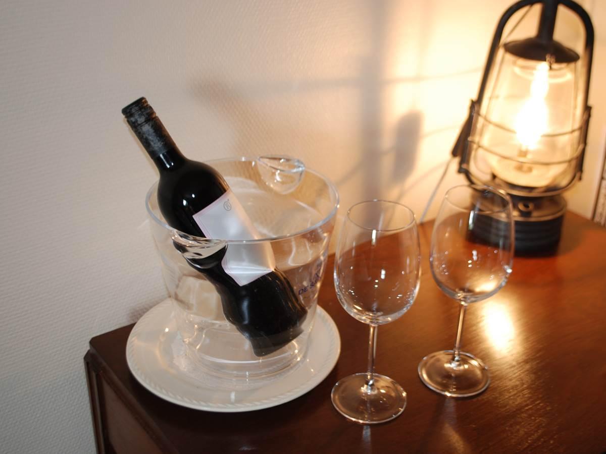 chambre L'R de Rien suggestion de vin Le Ranch des Lacs