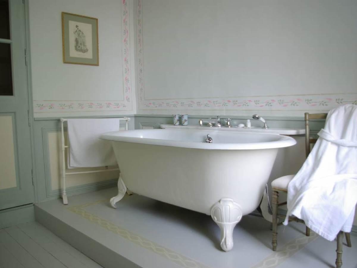 grande salle de Bain Chambre Céline