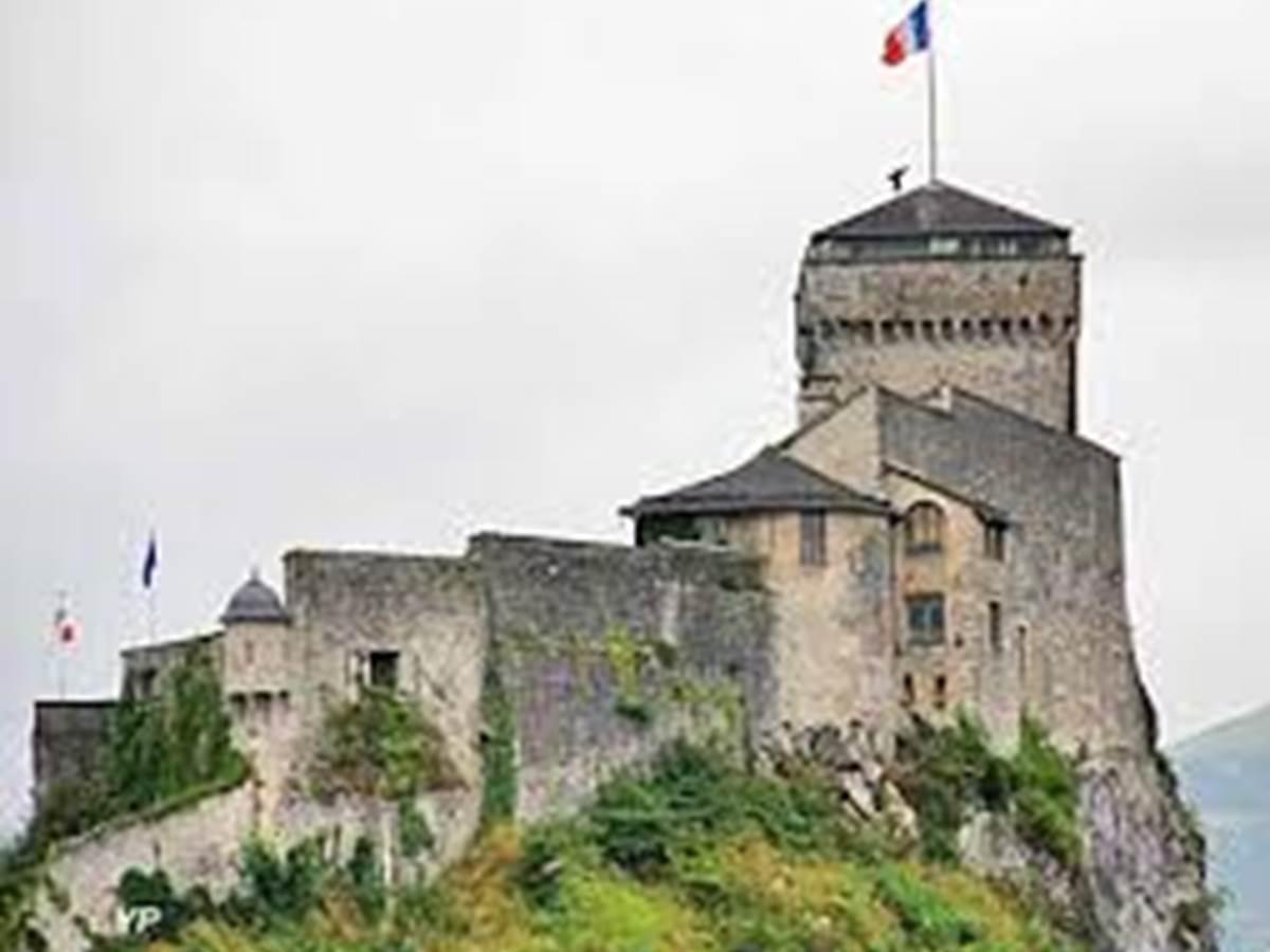 chateau+fort+de+lourdes