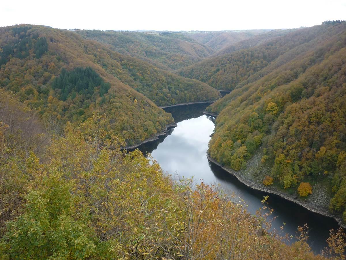 Les Gorges de la Haute-Dordogne en automne