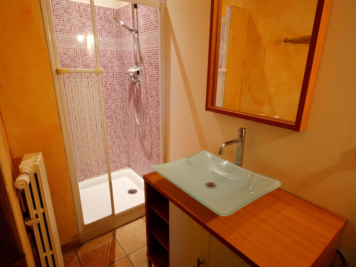 L'Hortus, salle de bain chambre 2