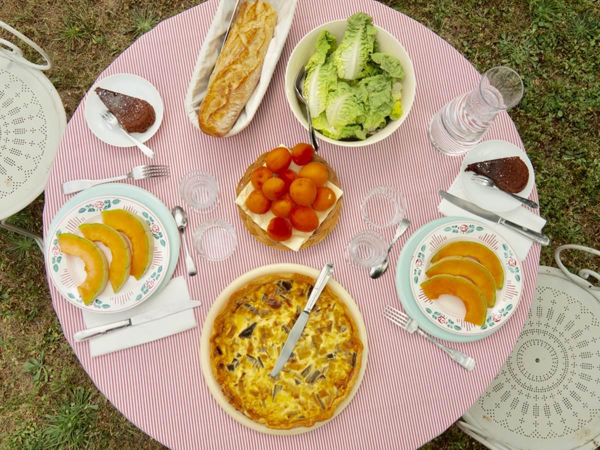 repas estival chambres d'hôtes la Rougeanne, Aude, Carcassonne