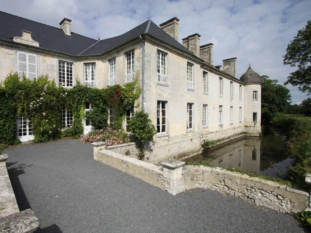 Château de Vouilly - façade