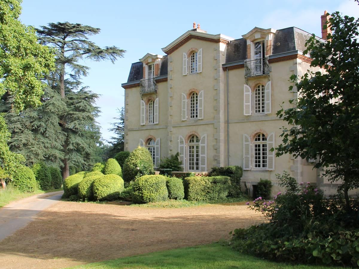 La maison principale au coeur du parc de 60 hectares
