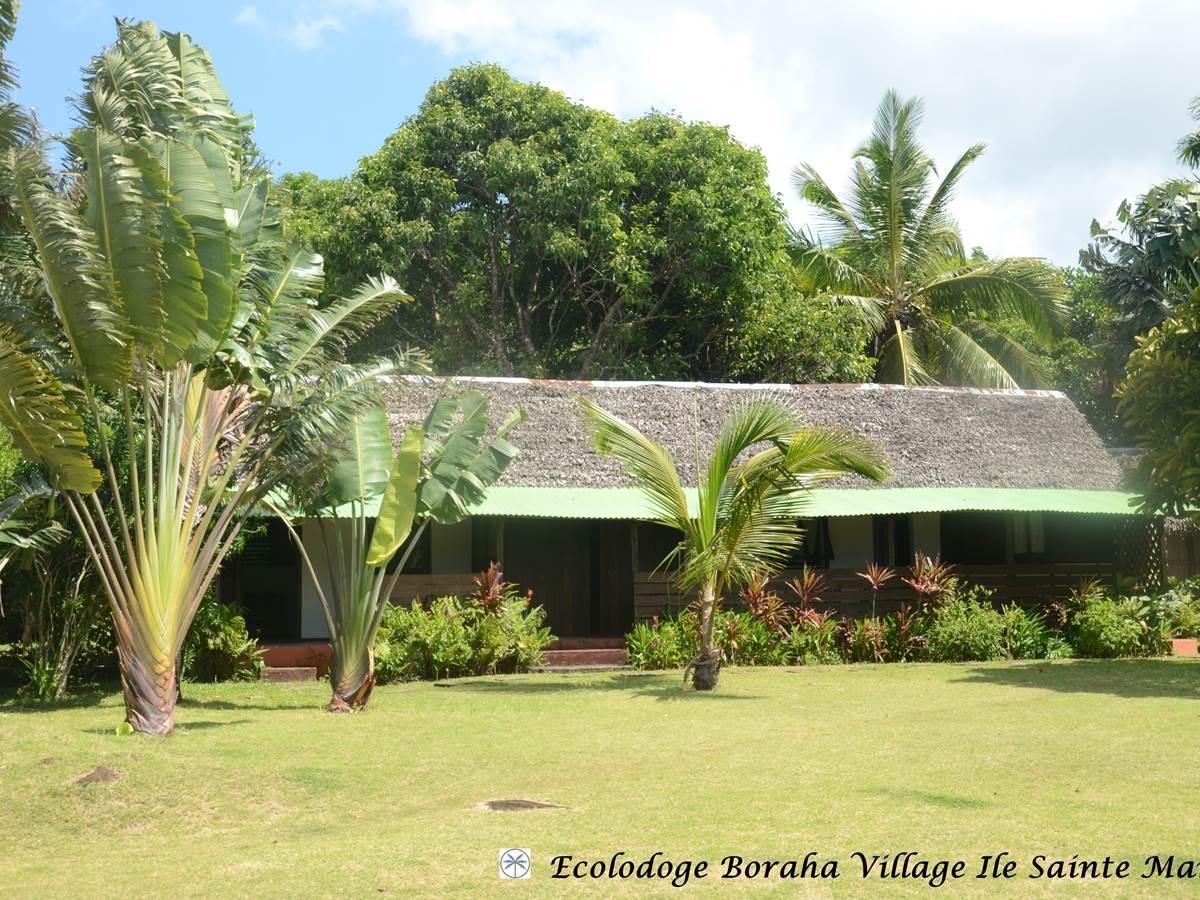 Bungalow Familial 5 Pax Boraha Village Ile Ste Marie Madagascar 01