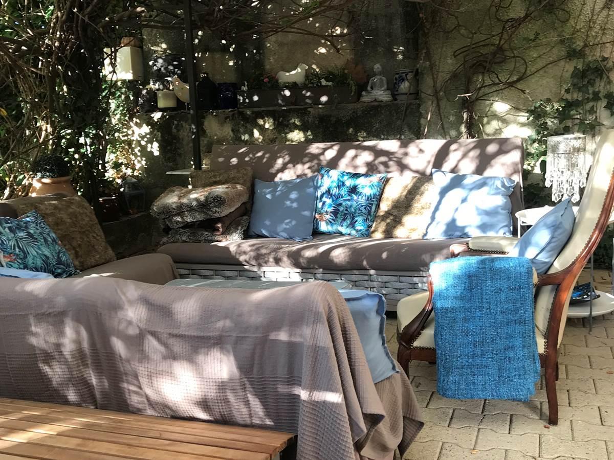 Le Mas Mellou  Salon détente extérieur