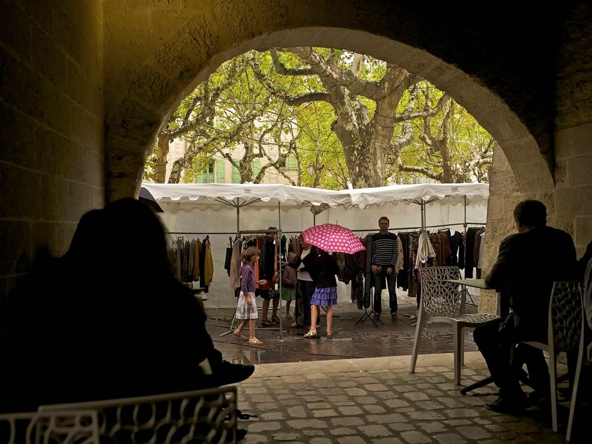 Le marché à Uzès