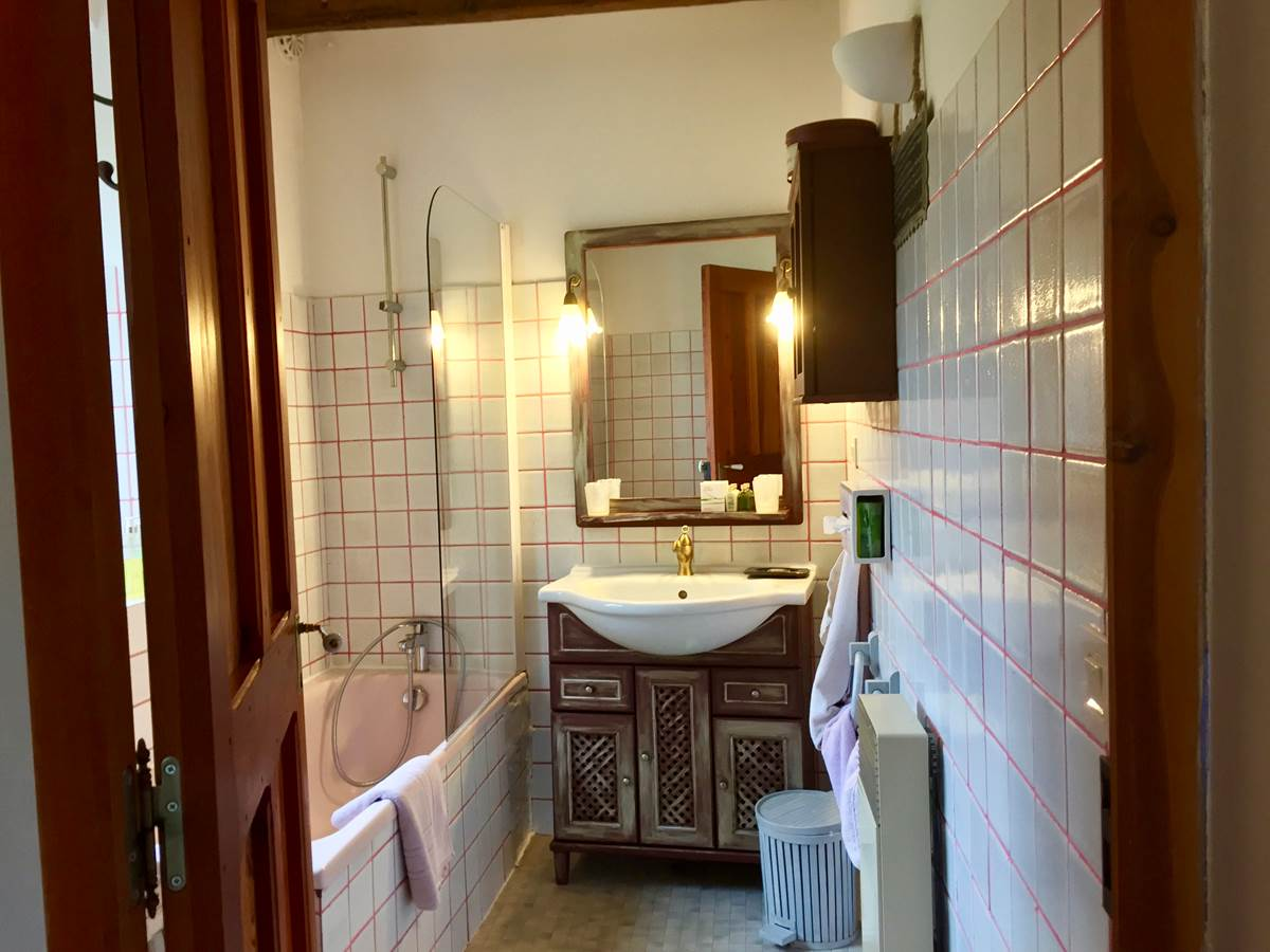La salle de bain de la chambre Ubaye