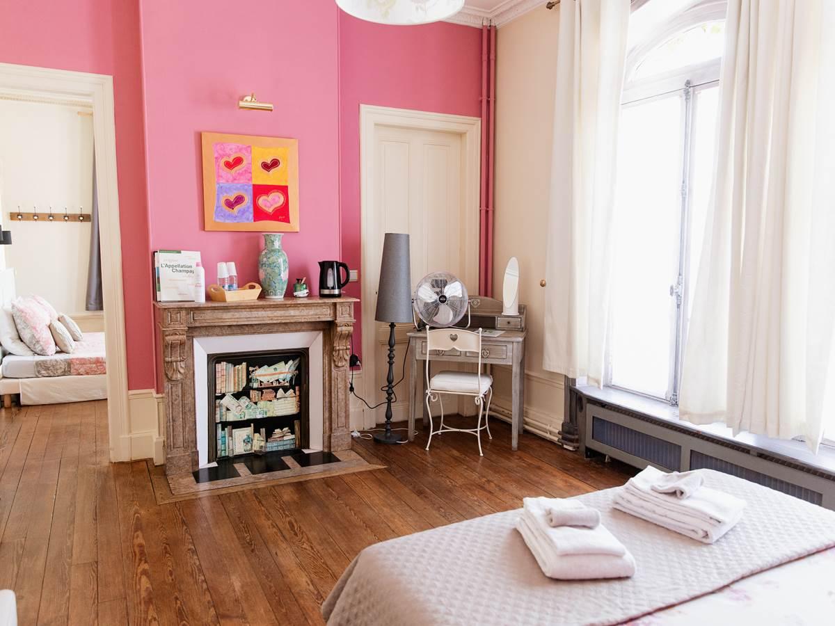 B&B La Poterne - Chambre d'hôtes Fruitée à Epernay
