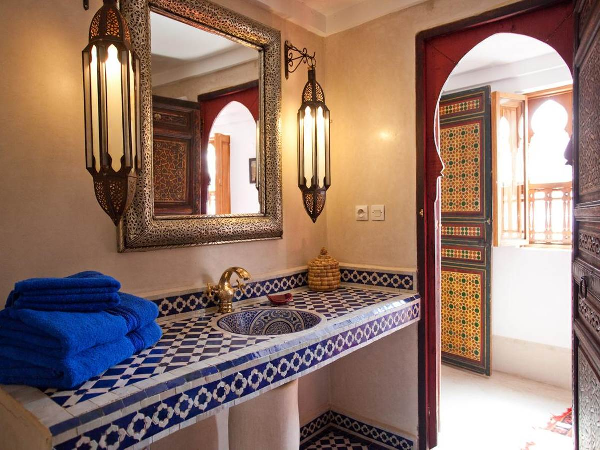 riad-zine_salle de bain bleue
