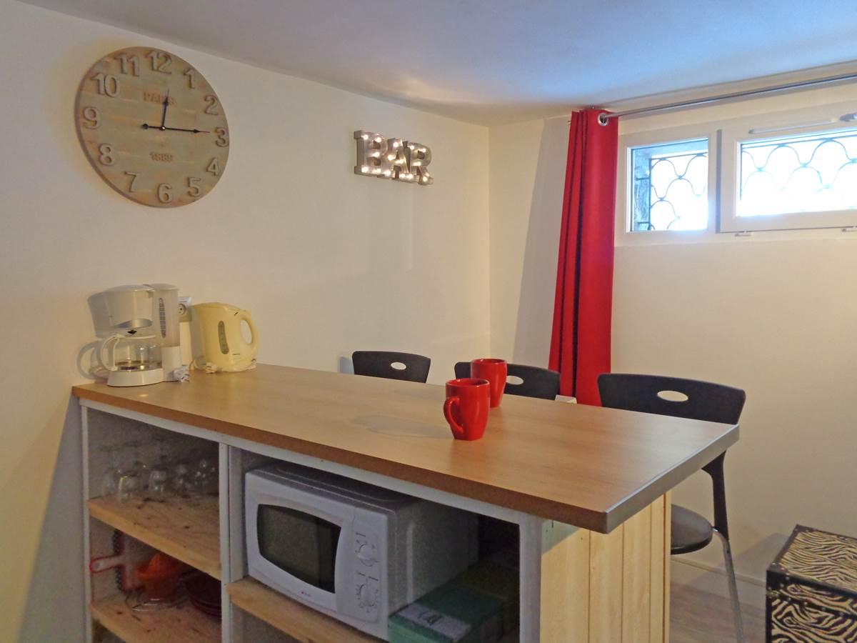 Studio Guéret - vue bar et coin cuisine