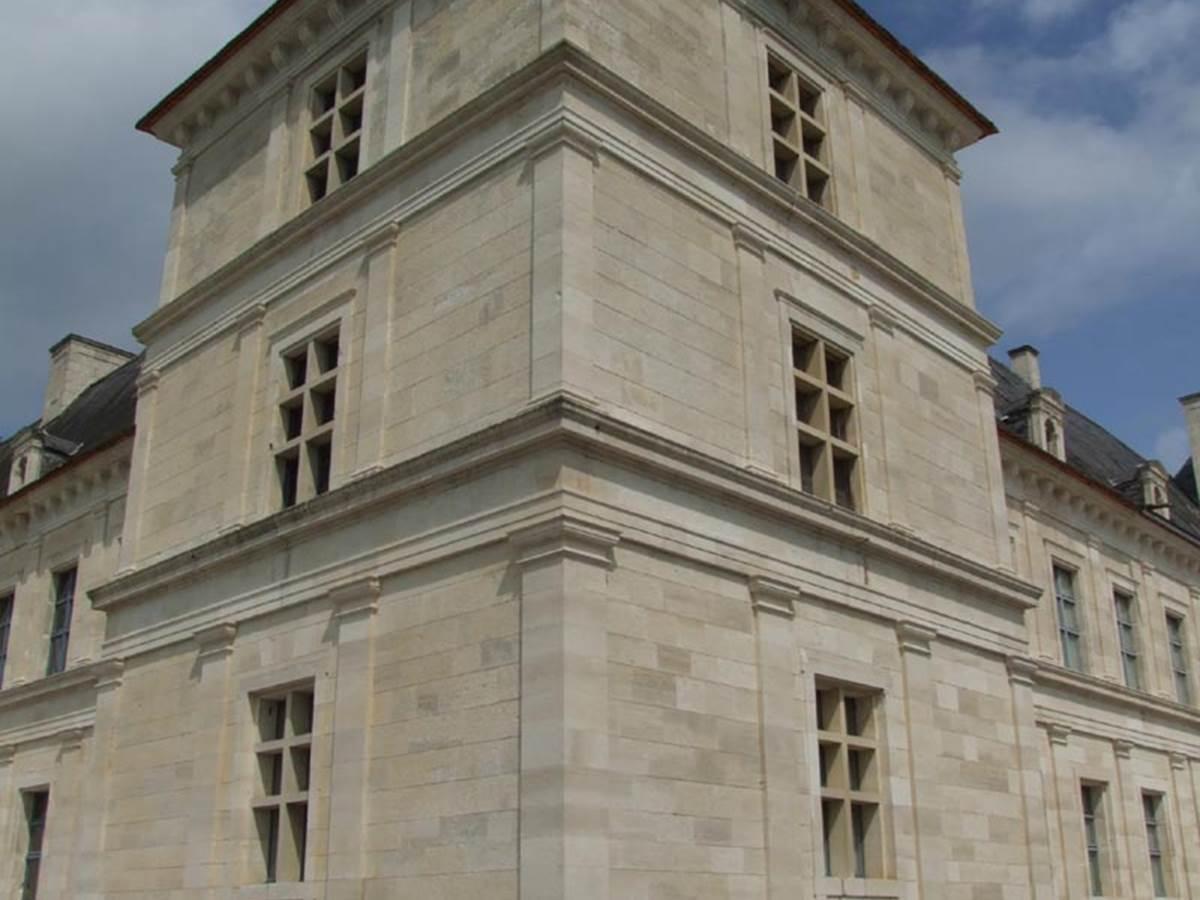 Chateau d'Ancy-le-Franc, XVIe siecle - Adresses, horaires, tarifs.