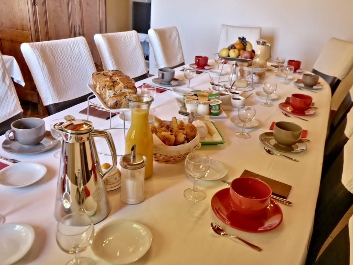 Table Petit-déjeuner Le Pas de l' Âne Saint Ondras