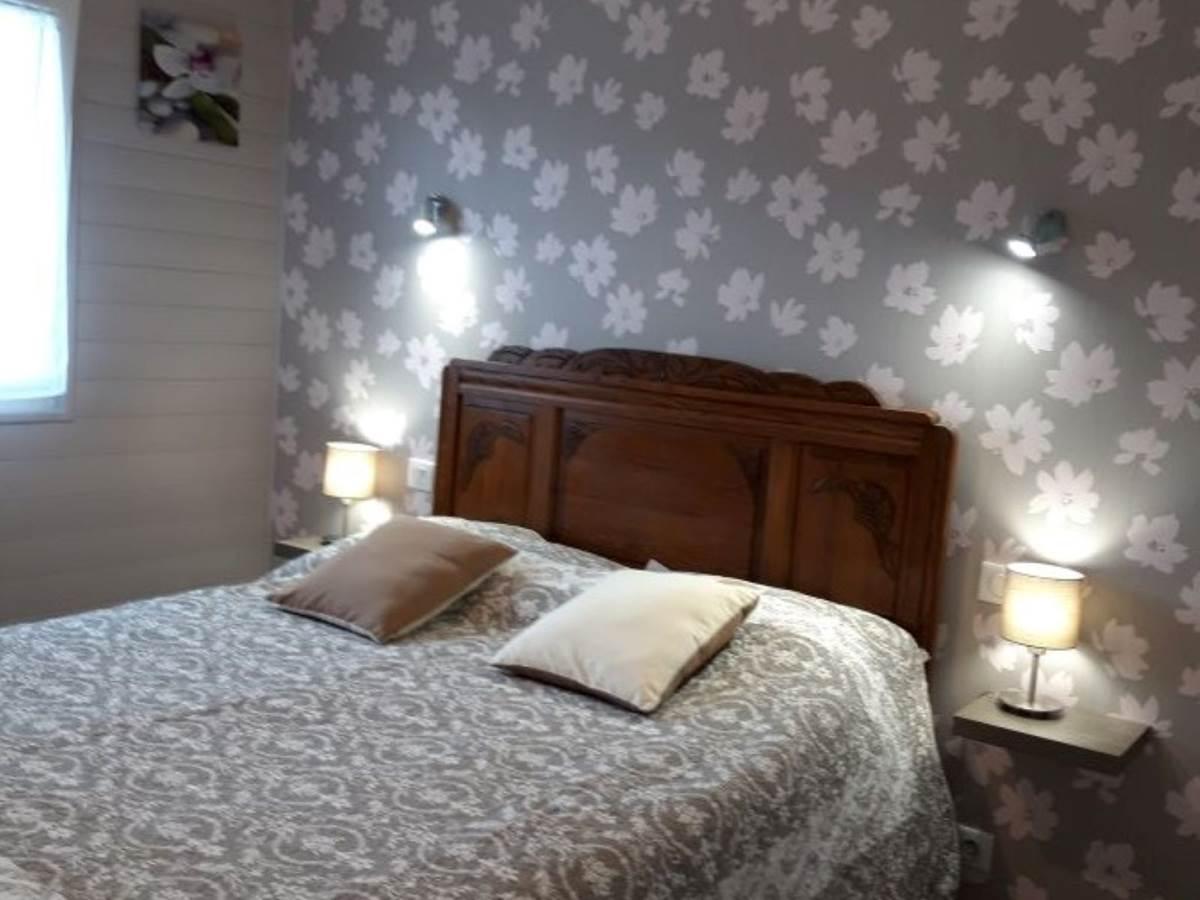 chambre grand lit -5