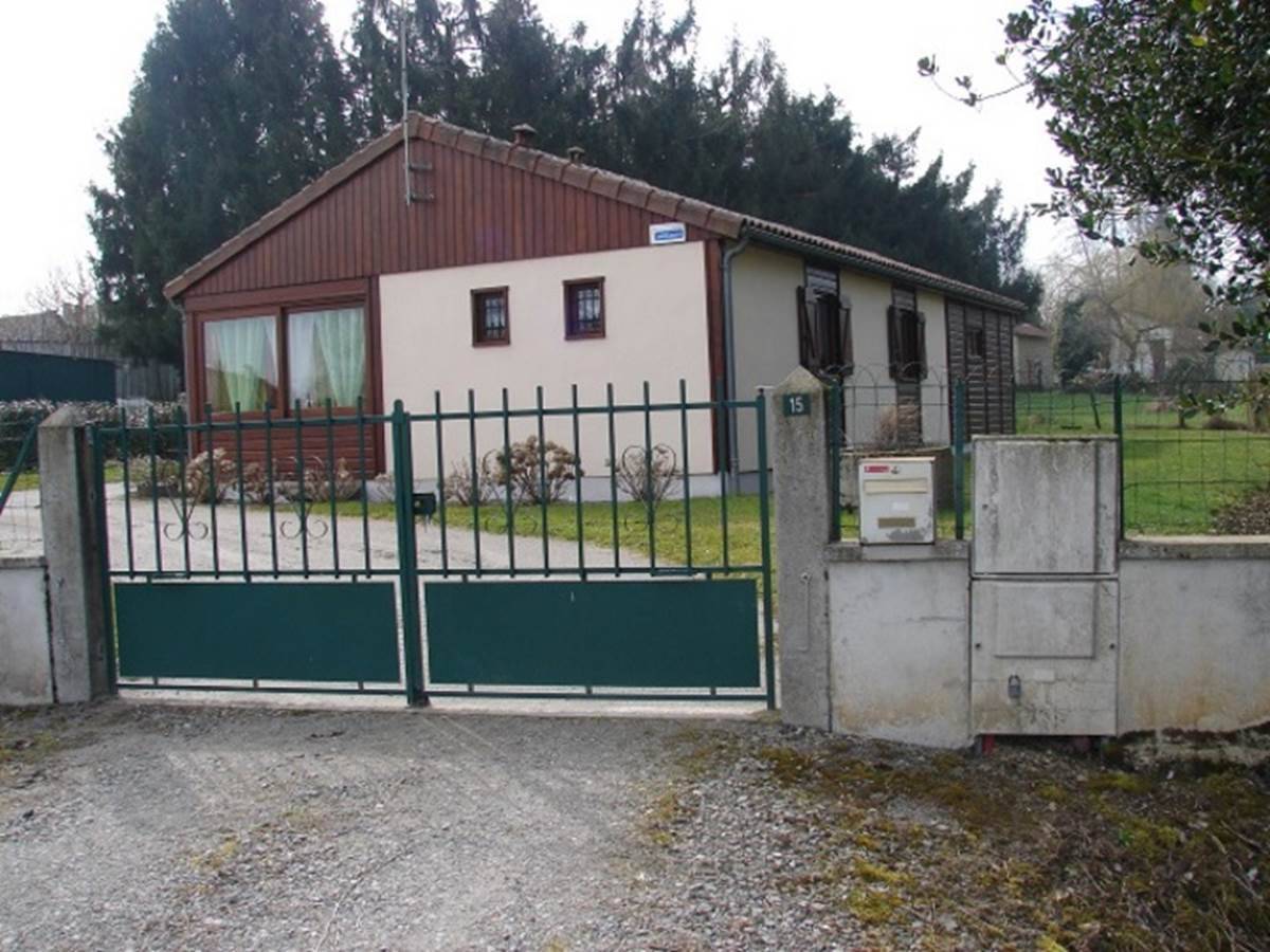 Gîte Les rosiers Arnac-La-Poste, entrée