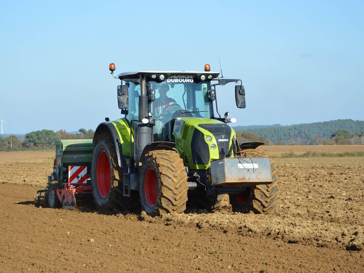 Un des tracteurs de la ferme