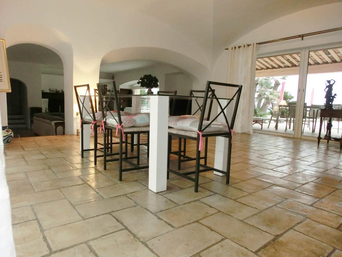 Séjour location saisonnière Villa Azur Golf Bandol