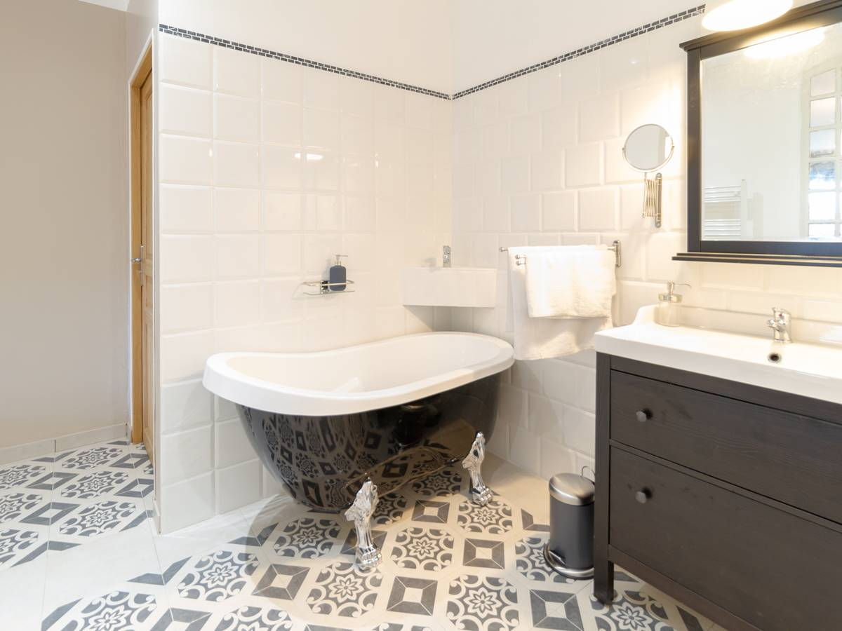 Salle de bain et toilettes privatives