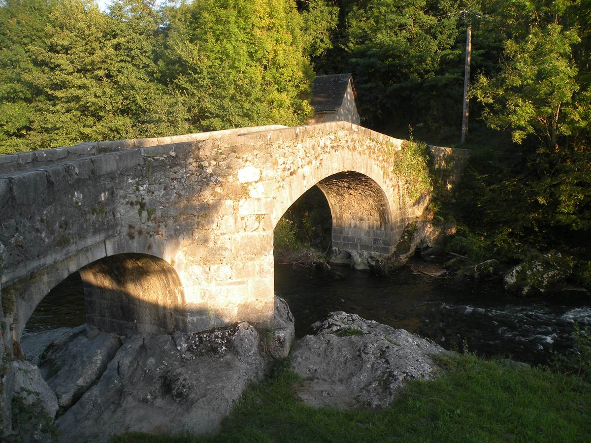 Petit pont de St Aubert