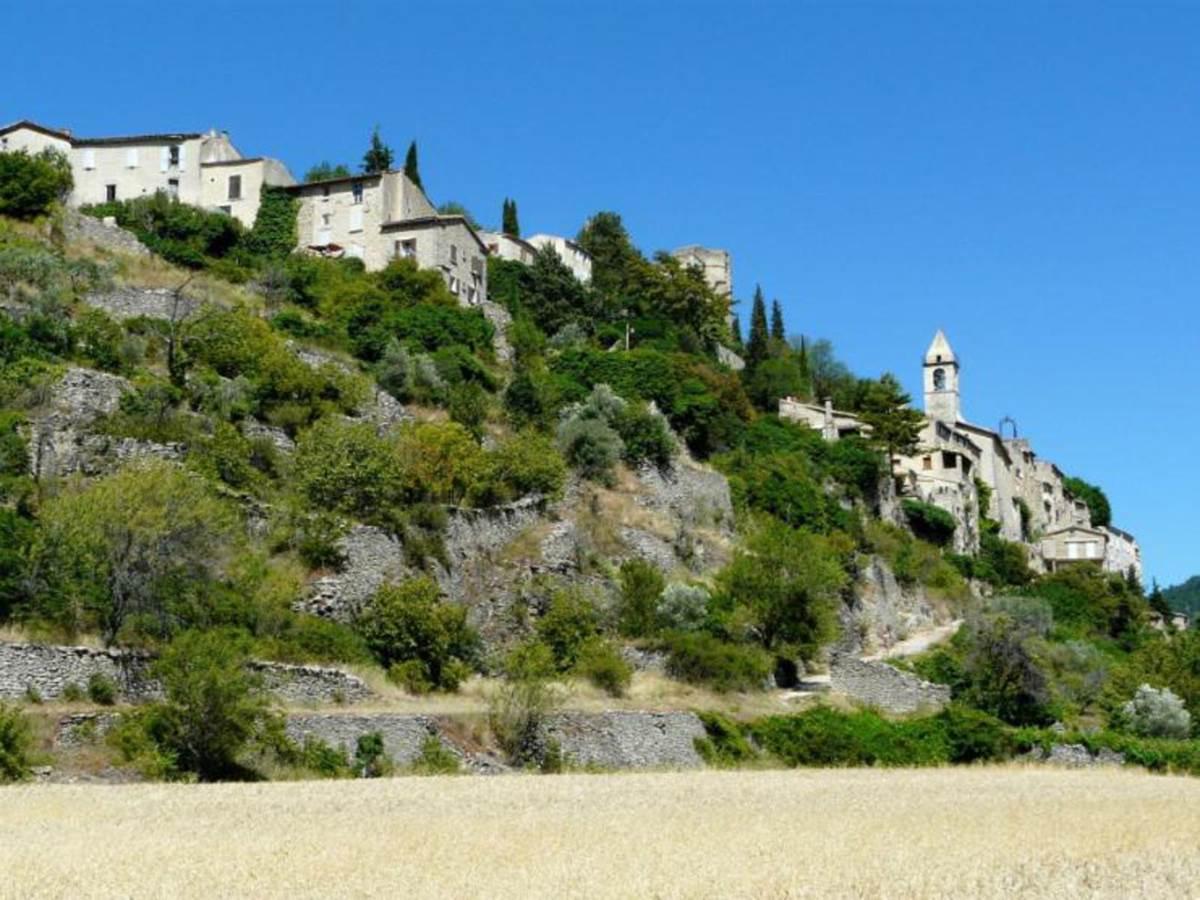 Montbrun-les-bains Plus beau village de France