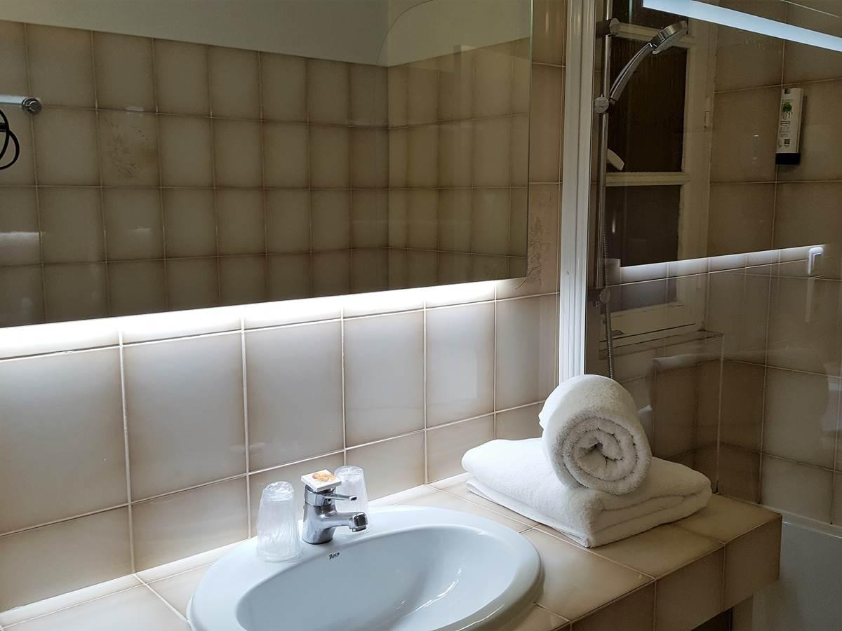 Salle de bain Supérieure 2