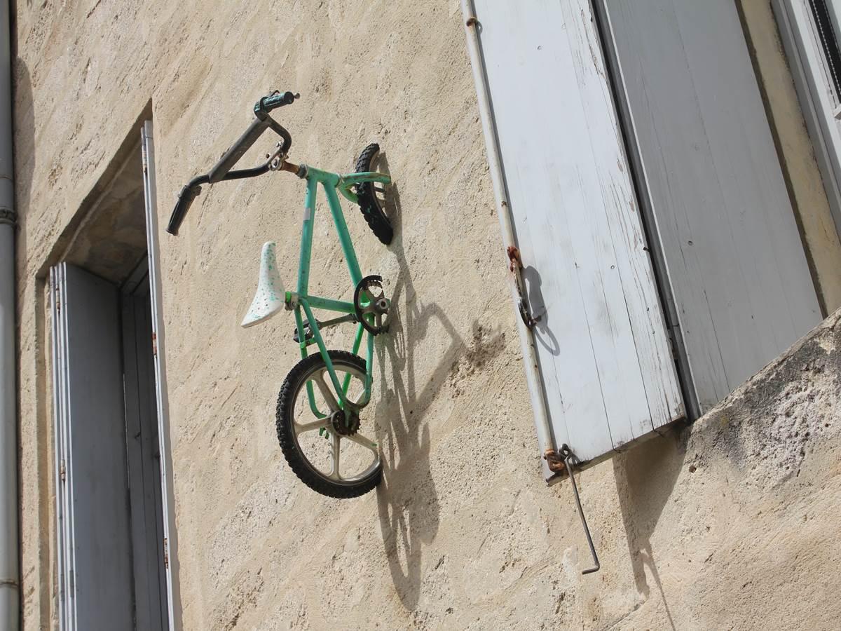 Street Art à Montpellier: Monsieur BMX décore les murs de la ville avec ses vélos
