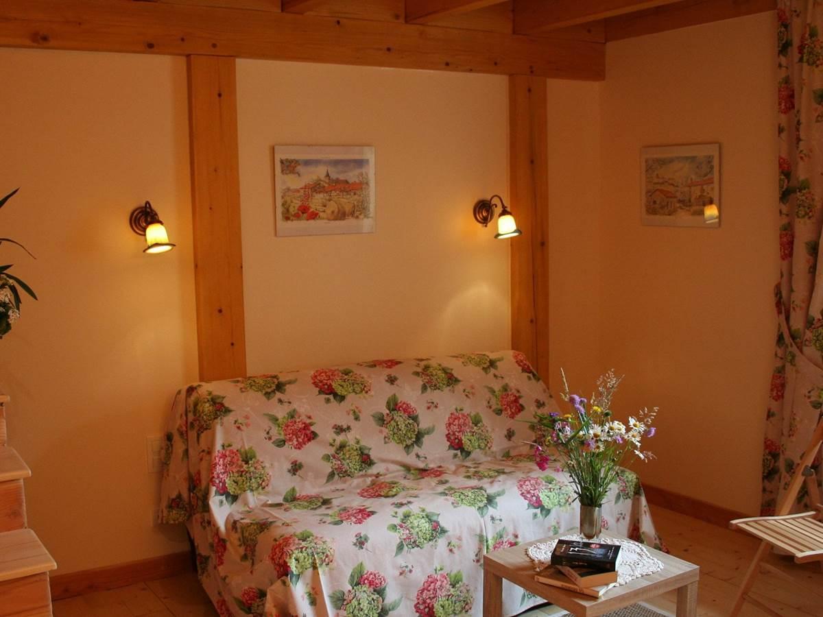 Espace salon Chambres d'hôtes Bains les Bains, Chambre Printanière