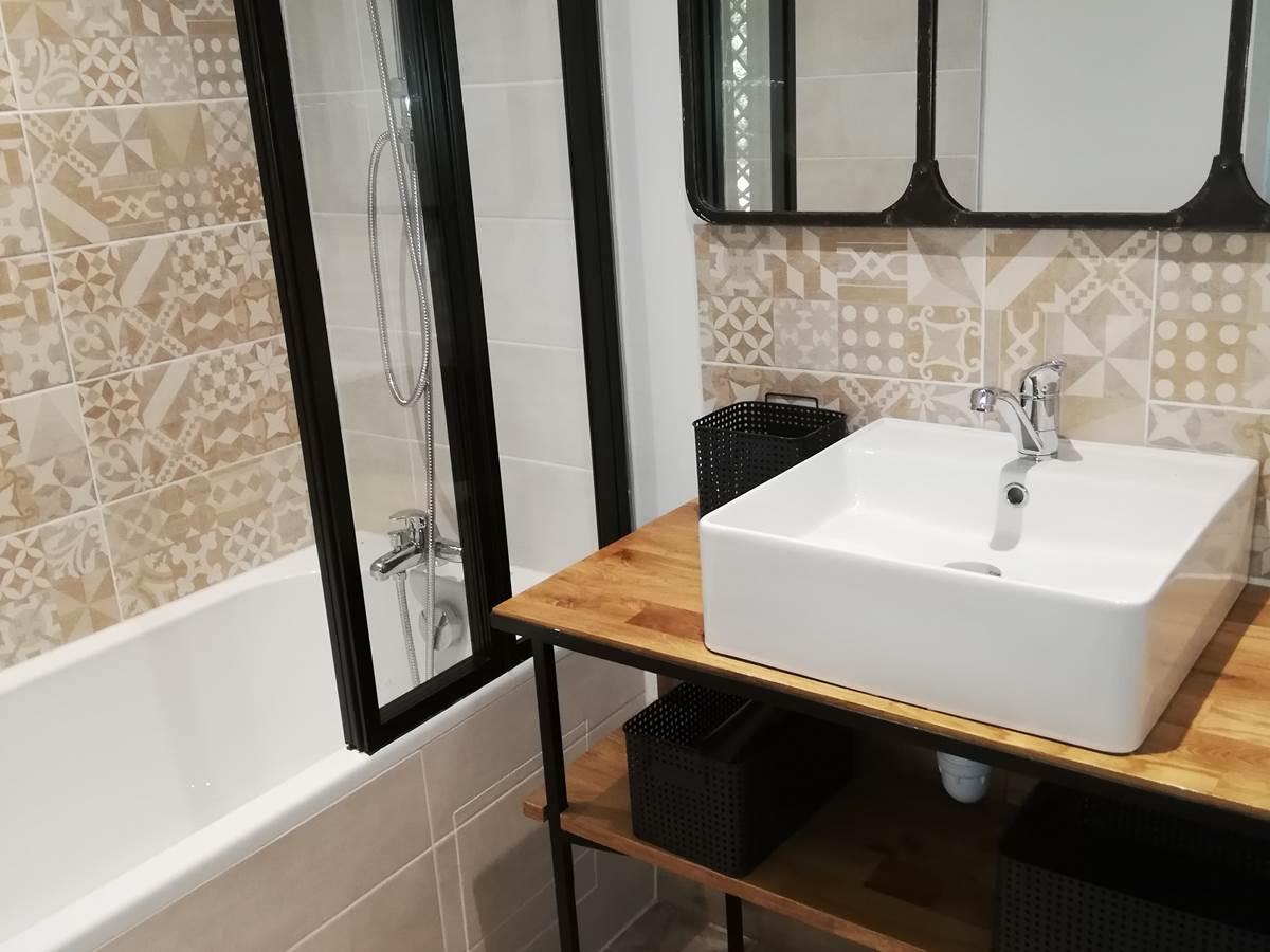 salle de bain indépendante 1°étage